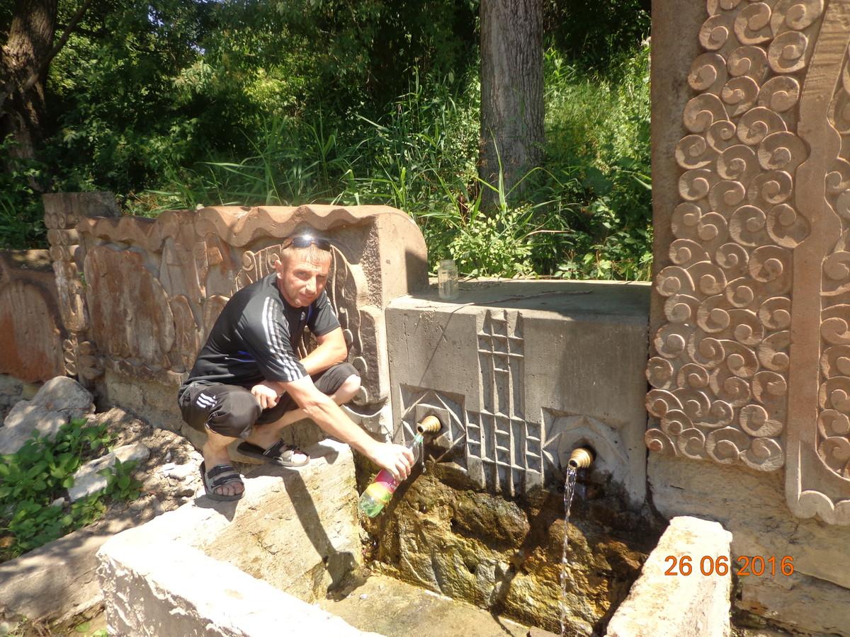 Знакомства Кисловодск, фото мужчины Николай, 43 года, познакомится для флирта, любви и романтики, cерьезных отношений