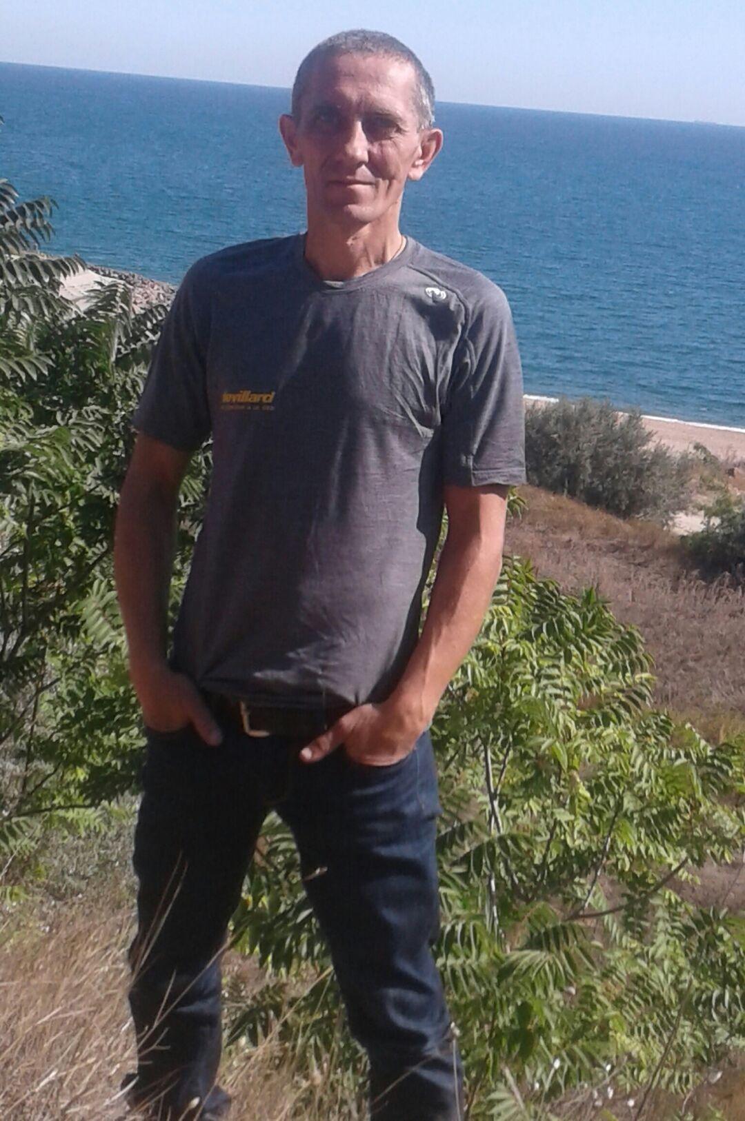 Знакомства Боярка, фото мужчины Виктор, 47 лет, познакомится для флирта, любви и романтики, cерьезных отношений