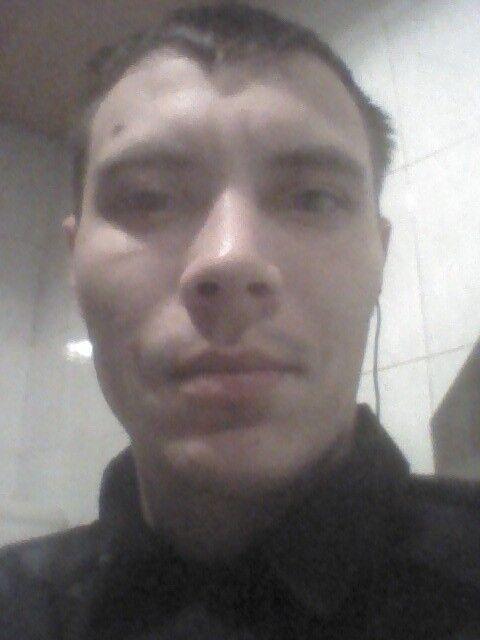 Знакомства Челябинск, фото мужчины Иван, 31 год, познакомится для флирта, любви и романтики, cерьезных отношений