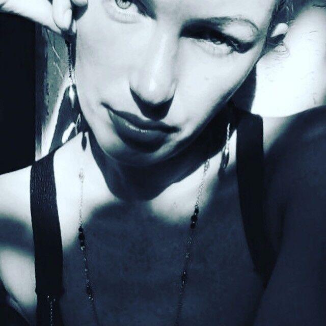 Знакомства Евпатория, фото девушки Екатерина, 41 год, познакомится для флирта, любви и романтики, cерьезных отношений