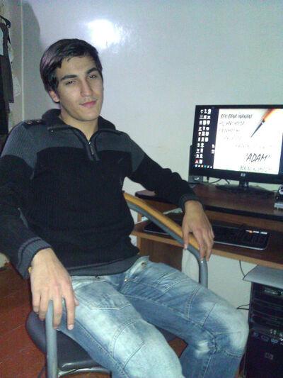 Фото мужчины Нуран, Баку, Азербайджан, 21