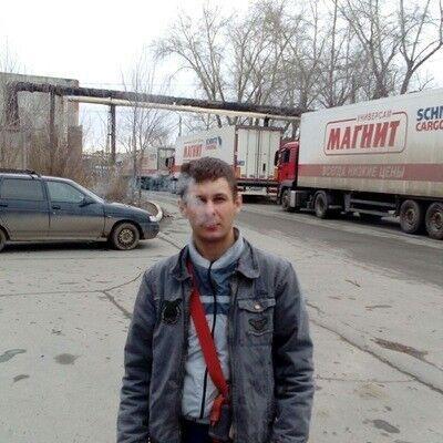 Знакомства Челябинск, фото мужчины Павел, 33 года, познакомится для флирта, любви и романтики, cерьезных отношений